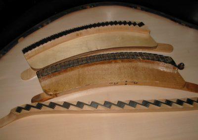 restauracion-piano-cola-cambio-puente-clavijero-y-tabla-armonica-1